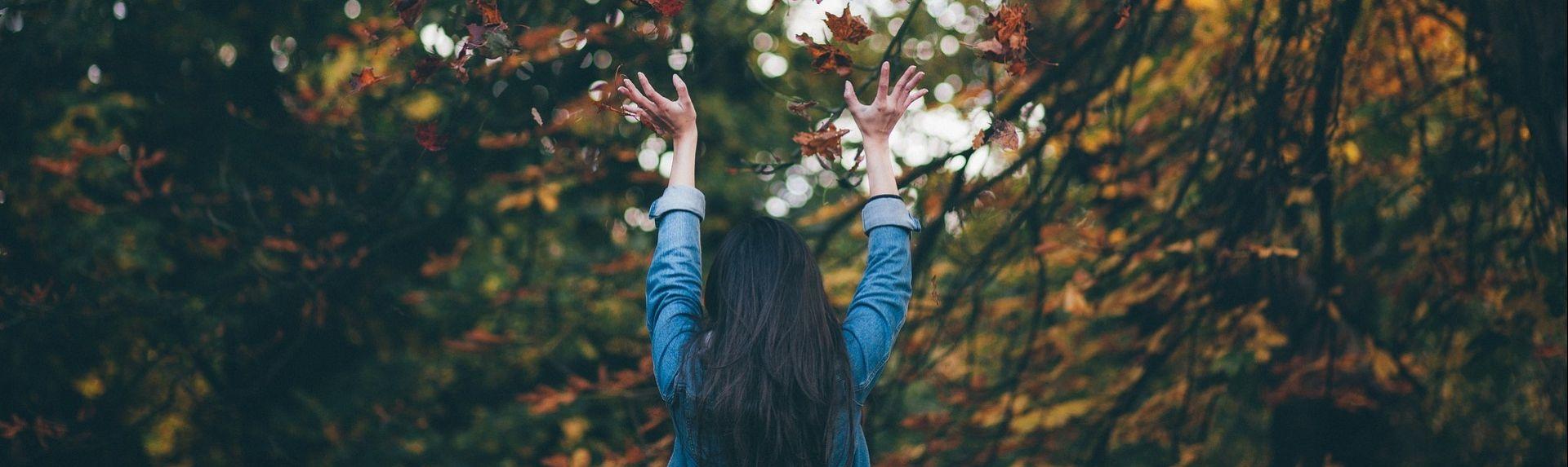 Витамины для женщин на осень: как сохранить здоровье и красоту