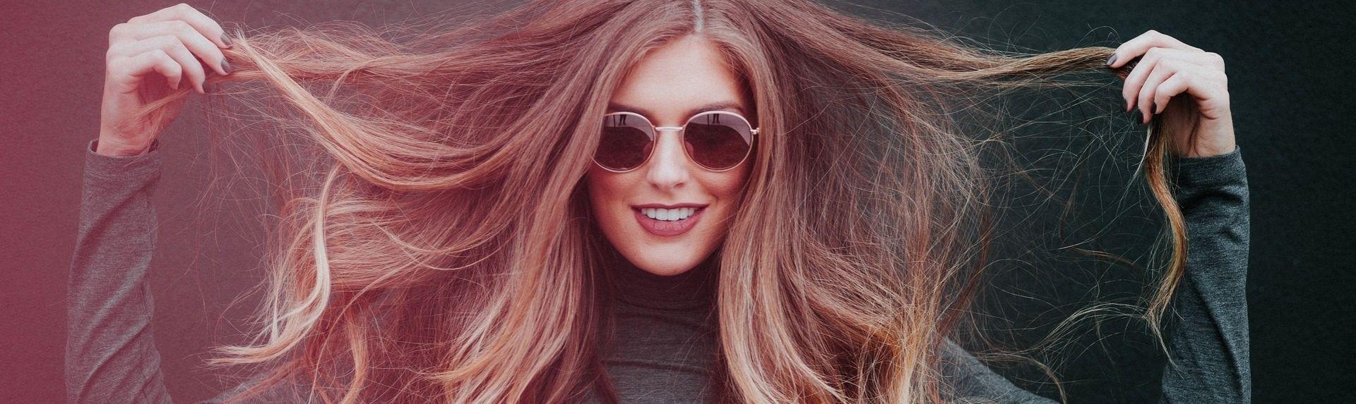 Как бороться с седыми волосами у женщин