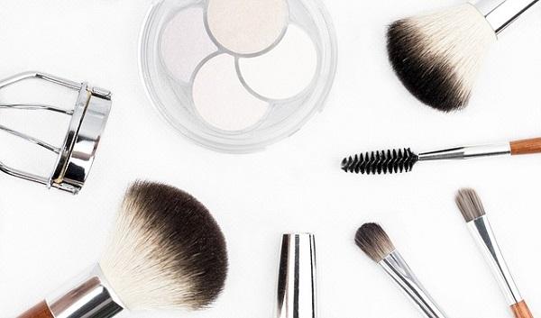 Правила макияжа после 45