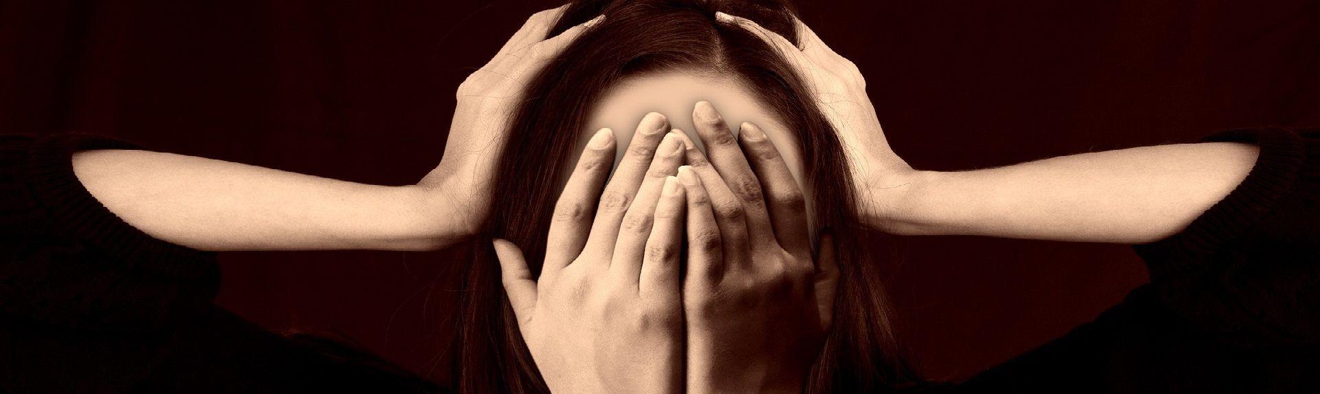 Повышение давления при климаксе: причины, симптомы, лечение